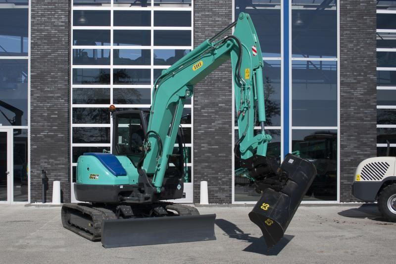 IHI 80VX midigraver voor Loon- en grondverzetbedrijf Zoutman B.V. uit Zevenhuizen
