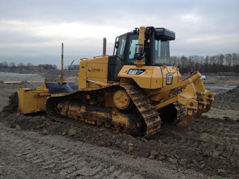 Caterpillar D6N LPG bulldozer voor Gebr. van der Geest uit Hillegom