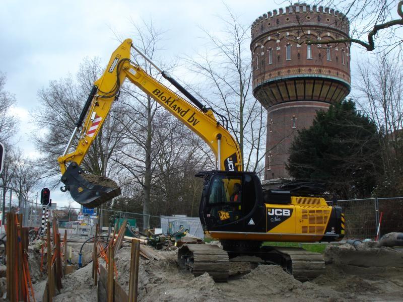 JCB JS 260 LC Tier IV rupskraan voor Blokland BV uit Ter Aar