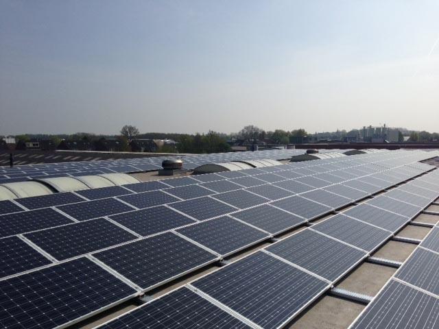 Ahlmann plaatst 336 zonnepanelen