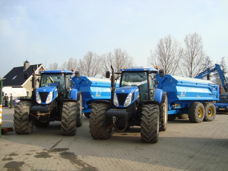 2 gestolen New Holland 7030 tractoren van Van Daalen Pijnacker