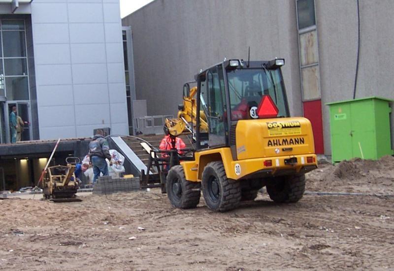 VERMIST: Alhmann AZ45 zwenklader van Van Oostrum