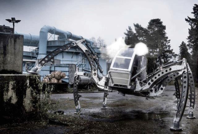 vakbeurs de 'Mantis Robot' : een 'wandelende machine' op zes poten die zich voortbeweegt als een insect