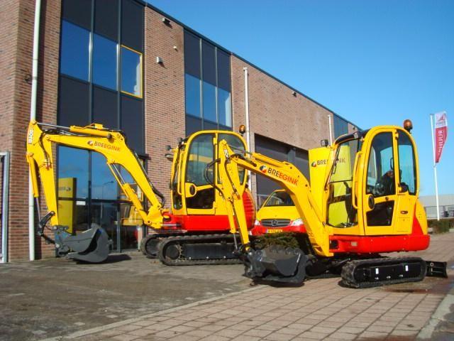 JCB 8018 + JCB 804 minigravers voor Breegink Nijkerk