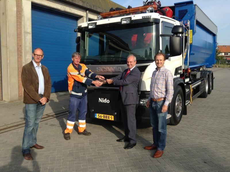 Scania P 320 DB6x2*4HNA met een schone Scania P 320 DB6x2*4HNA met een schone EEV Enhanced Environmentally friendly Vehicle motor