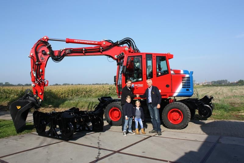 Atlas 180WSR spoorwegkraan voor Van Roon BV uit Asperen