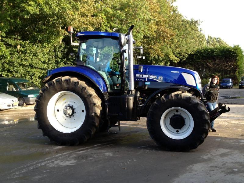 Vermiste New Holland T7 270 tractor van Firma W.J.A. Hopmans