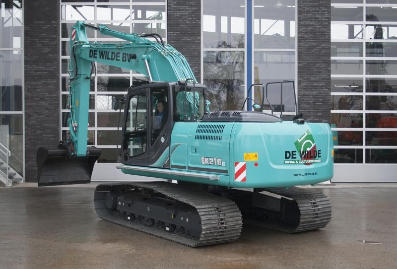Kobelco SK 210 lc rupsgraafmachine voor Loon- & verhuurbedrijf G.A. Smit uit Hoofddorp