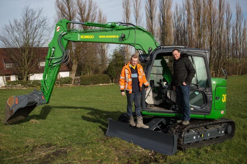 Kobelco SK 75 SR midigraver voor J. Glijnis Loon- en Verhuurbedrijf B.V. uit Zoetermeer