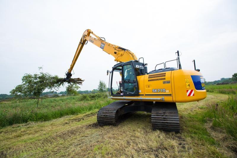 Kobelco SK 210 lc Long Reach rupsgraafmachine voor Everts Loosdrecht