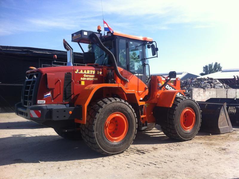 Doosan DL200-3 wiellader voor J. Aarts Transportbedrijf Gerwen BV