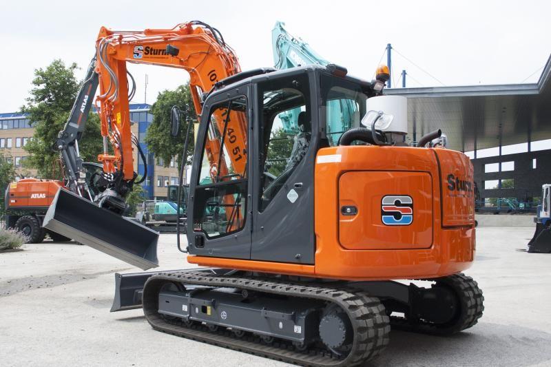 Kobelco SK 85 SR rupsmidigraver voor Sturm BV uitZaandam