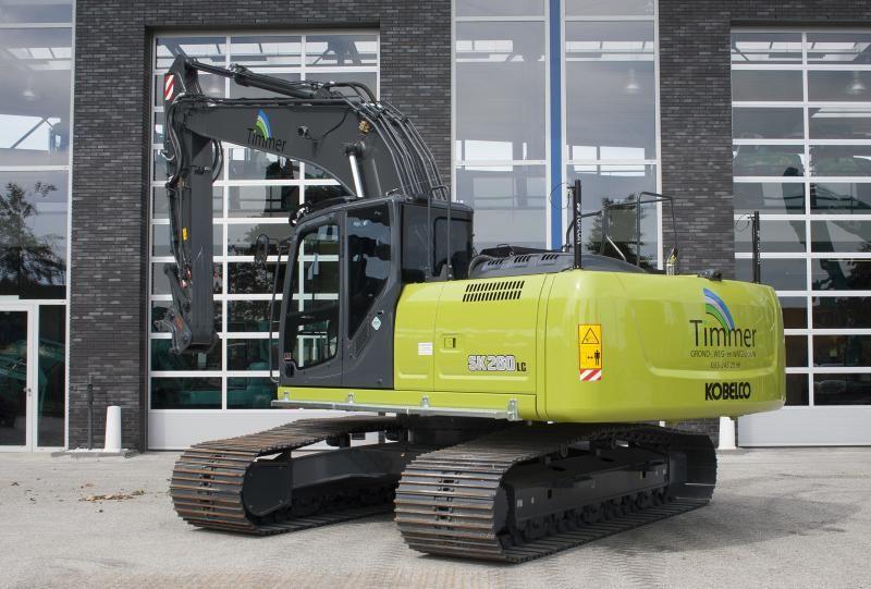 Kobelco SK260 lc voor Timmer Grond-, Weg- en Waterbouw uit Nijkerk