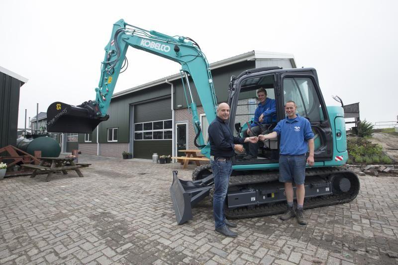 Kobelco SK 85 MSR midigraver voor P. van Leeuwen & Zonen Stompwijk