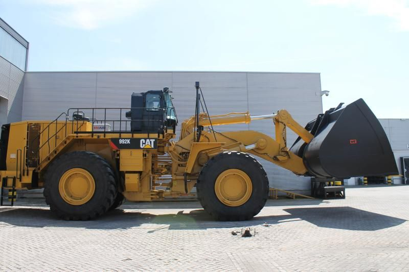 Caterpillar 992K wiellader voor Europees Massagoed- Overslagbedrijf B.V. uit Rotterdam