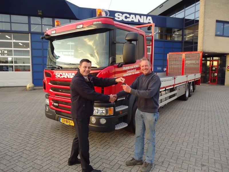 Scania P280 6x2 oprijwagen voor  Loonbedrijf F. van Schie uit Pijnacker