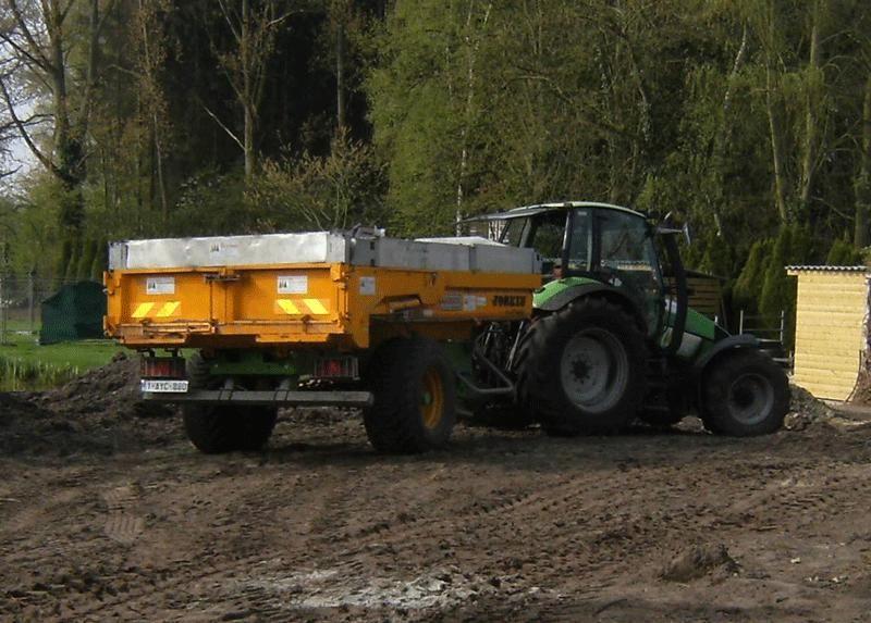 Vermiste Deutz-Fahr traktor en Joskin dumper