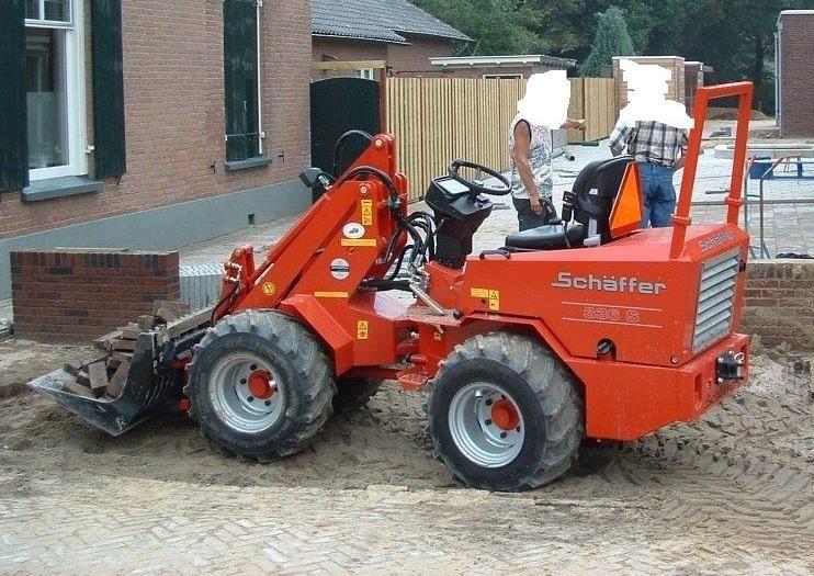 Vermiste Schaeffer 336 S mini shovel van Enzerink uit Hengelo (G)