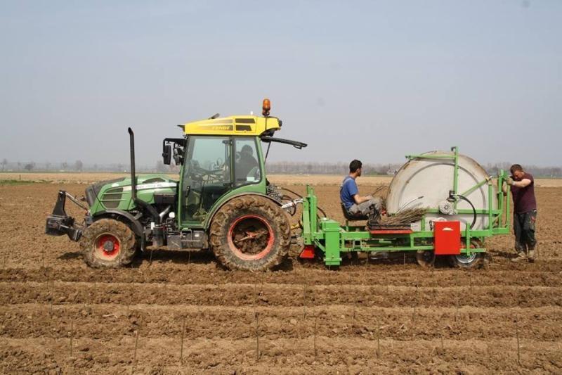 Nieuwe Fendt 939 & Bas Rijs enkelrij-ige plantmachine voor Van Ossenbruggen BV uit Ingen