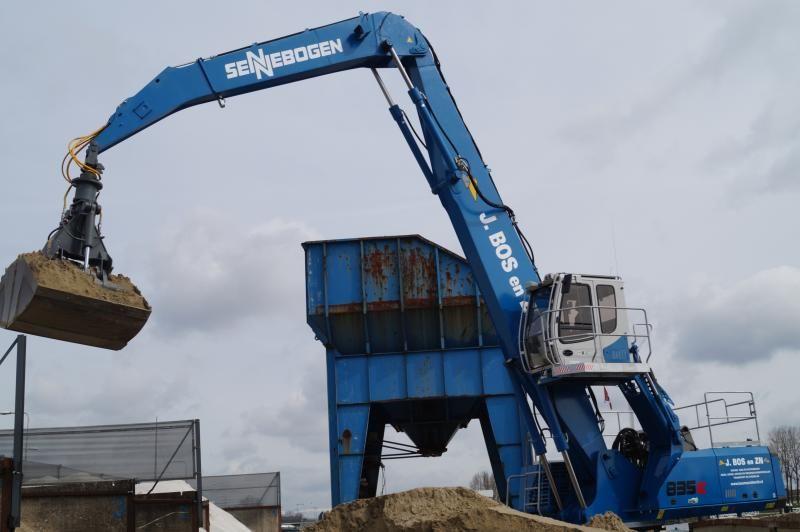 Sennebogen Green Line 835 M overslagkraan voor  Firma J. Bos en Zonen uit Moordrecht