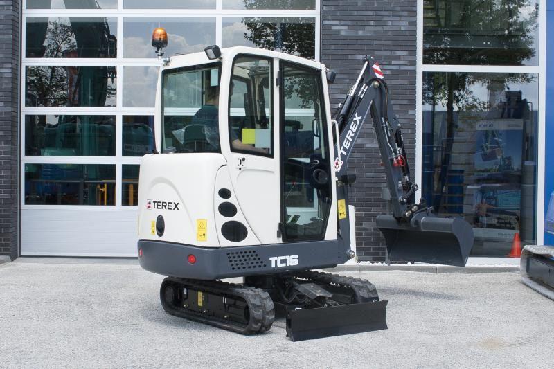 Terex TC 16 minigraver voor Verhuur- & Aannemingsbedrijf A.J. Hoogendoorn jr. uit Boskoop