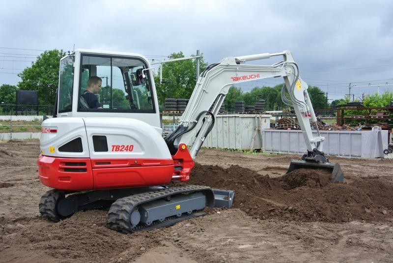 Nieuw Takeuchi TB230, TB240 en TB210R LSA