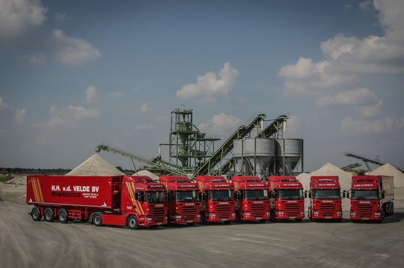7 Scania's G410 trekkers voor H.H. van der Velde uit Nieuwe pekela