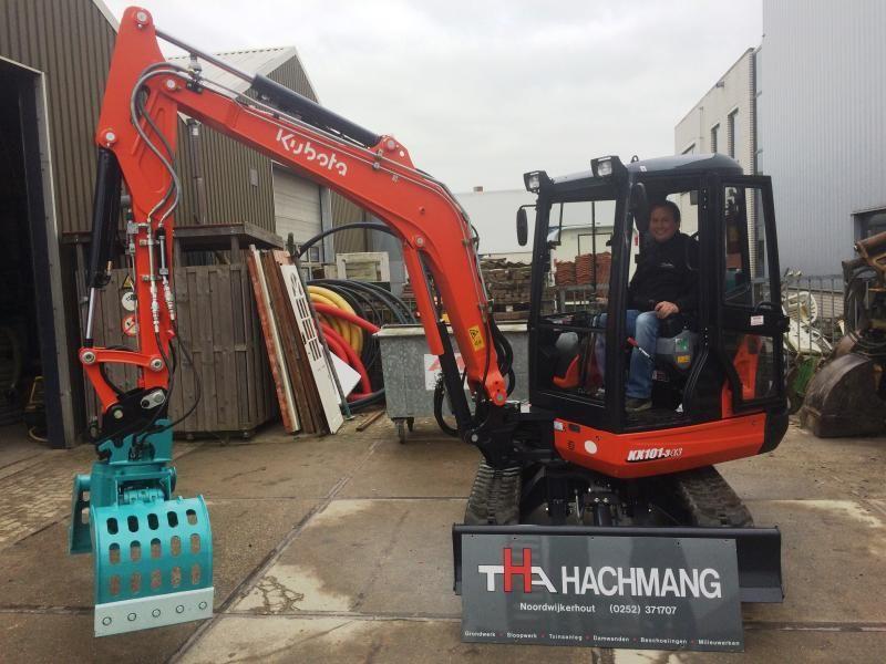 Kubota KX101 3a3 minikraan voor Hachmang uit Noordwijkerhout