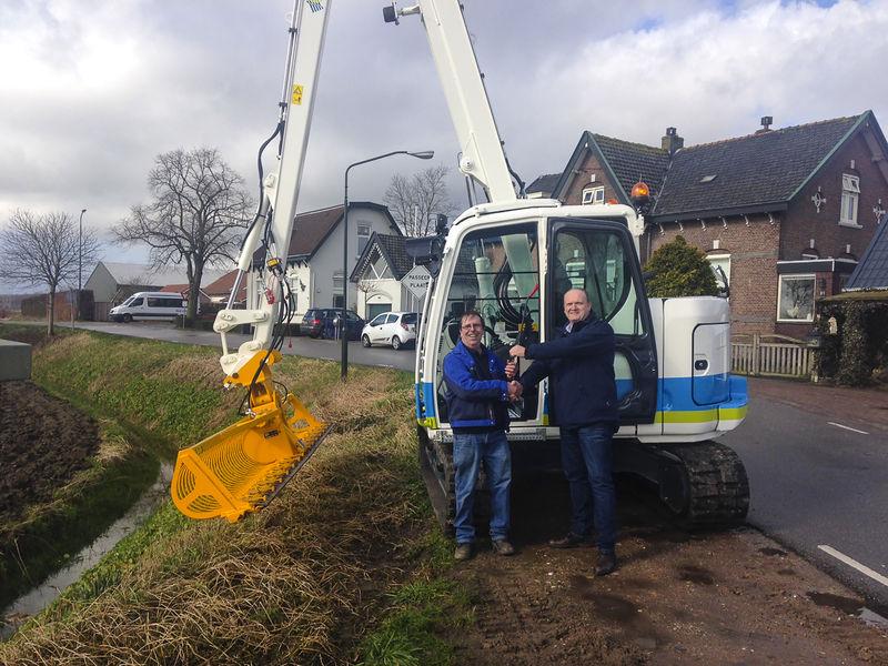 Kobelco SK75SR maaikraan voor Waterschap Brabantse Delta