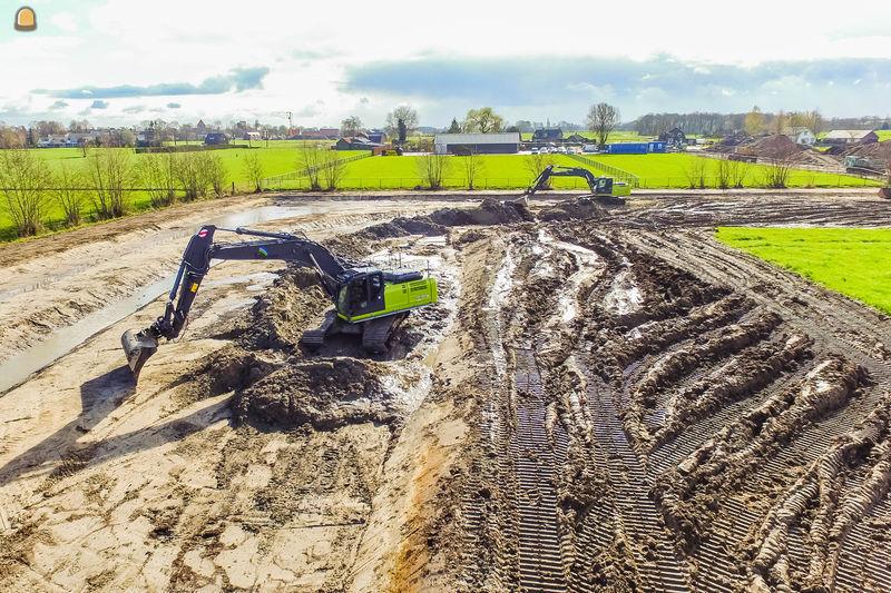 Kobelco SK350lc rupsgraaf voor Timmer Grond-, Weg- en Waterbouw B.V. uit Nijkerk