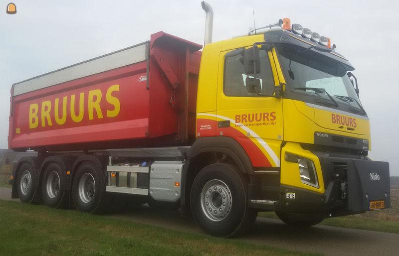 Volvo FMX 8x4 containerauto voor Bruurs Moergestel