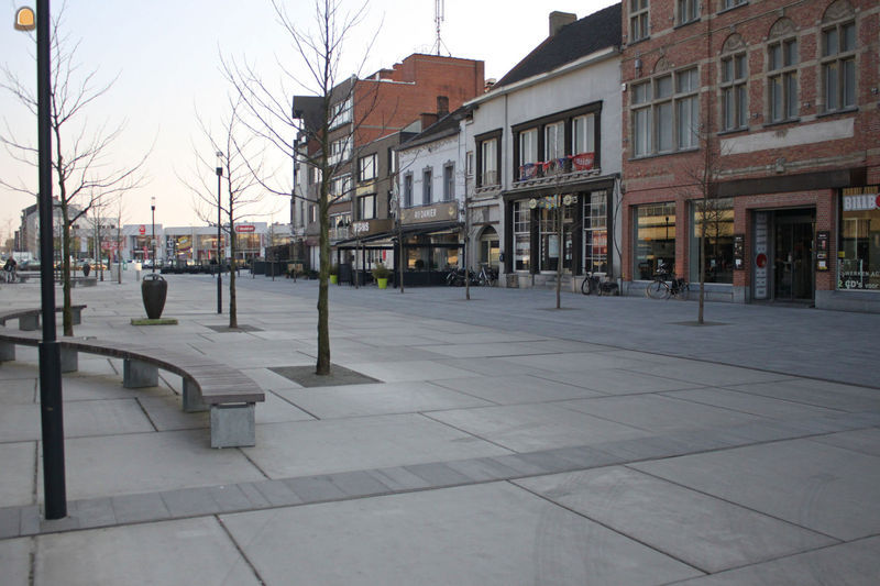 bron foto: eurodal.be - plein met Eurodal vloerplaten