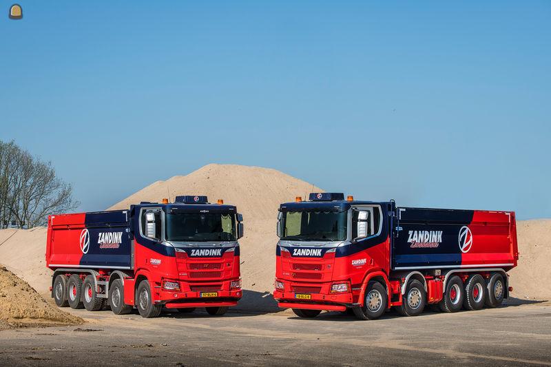 Stoere Scania vijfassers voor Zandink Zandhandel.