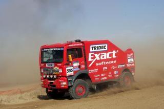 De MAN truck van het team Exact-MAN met chauffeur Hans Stacey