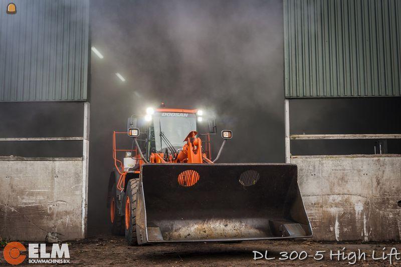 Doosdan loader geleverd voor ELM Bouwmachines Bleiswijk